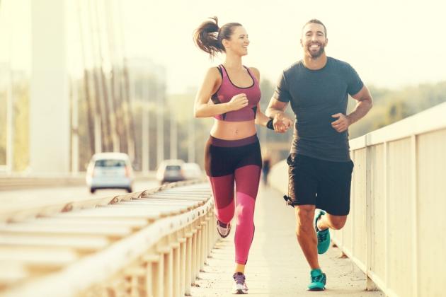 Bliv motiveret med lækkert sportstøj og sportstasker